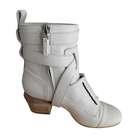 Bottines & low boots à talons FENDI Blanc, blanc cassé, écru