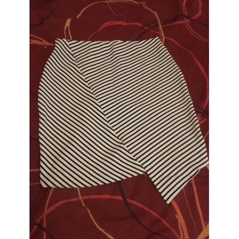 Jupe courte PULL & BEAR Blanc, blanc cassé, écru