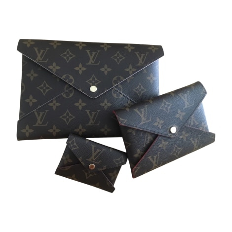 Clutch LOUIS VUITTON Brown