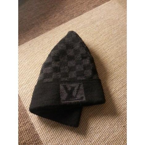 bonnet louis vuitton taille unique noir vendu par shopname234604 957214. Black Bedroom Furniture Sets. Home Design Ideas