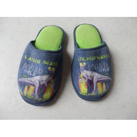 Chaussons & pantoufles  MARQUE INCONNUE Multicouleur