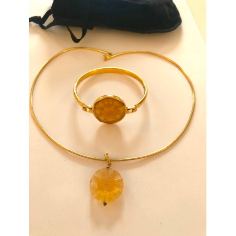 Pendentif, collier pendentif LALIQUE Ambre/jaune