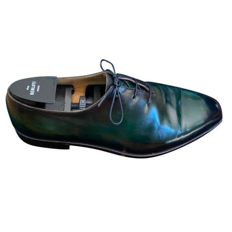 Chaussures à lacets BERLUTI Vert