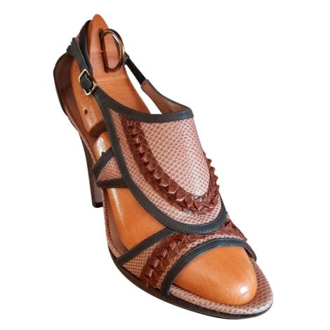 Sandales à talons SALVATORE FERRAGAMO Doré, bronze, cuivre