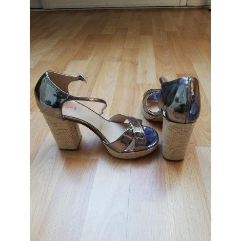 Sandales à talons ANDRÉ Argenté, acier