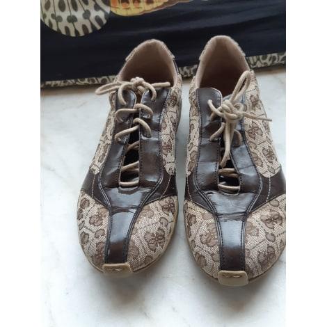 Chaussures de sport GUESS Marron