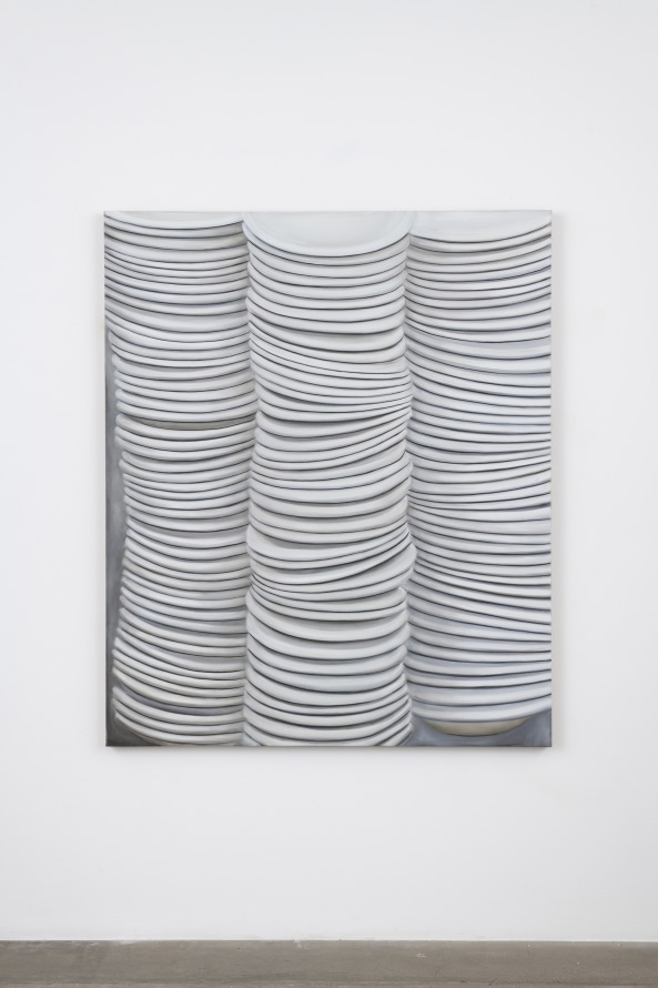 "Untitled (Dinner Plate), 2005, Oil on canvas, 72 x 60 x 1.5"" [HxWxD] (182.88 x 152.4 x 3.81 cm), Photo credit: Jeff McLane"