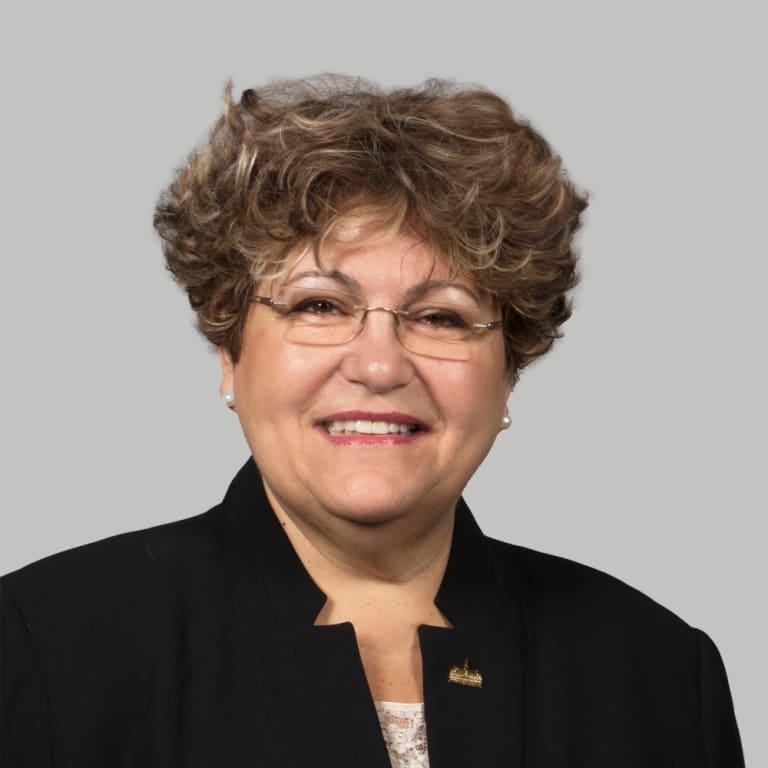 Portrait de Mary Deros