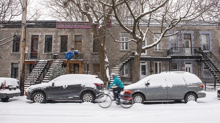 Quartier montréalais sous la neige