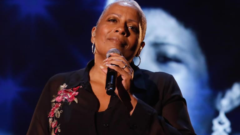Kim Richardson chante