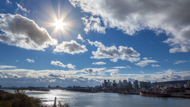 Ciel ensoleillé de Montréal