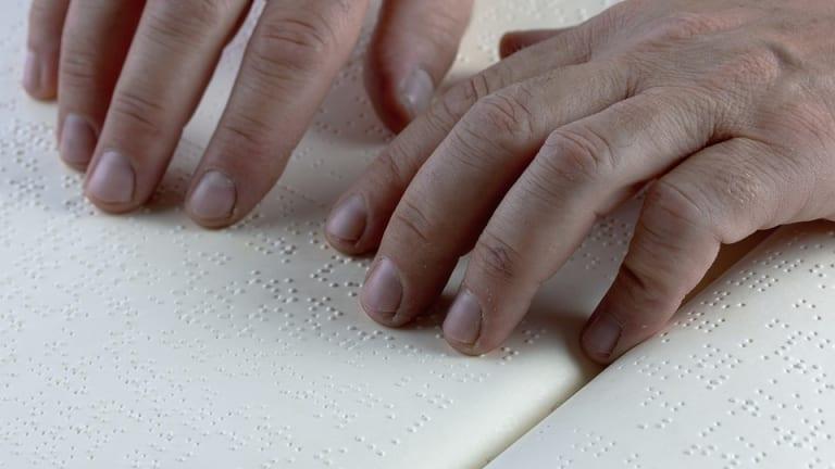 Un atelier dans le cadre du Mois de l'accessibilité universelle pour découvrir le braille.
