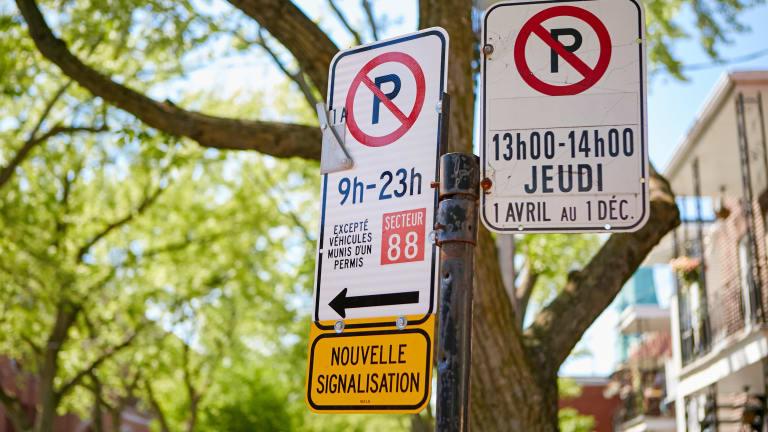 Panneaux de signalisation de stationnement