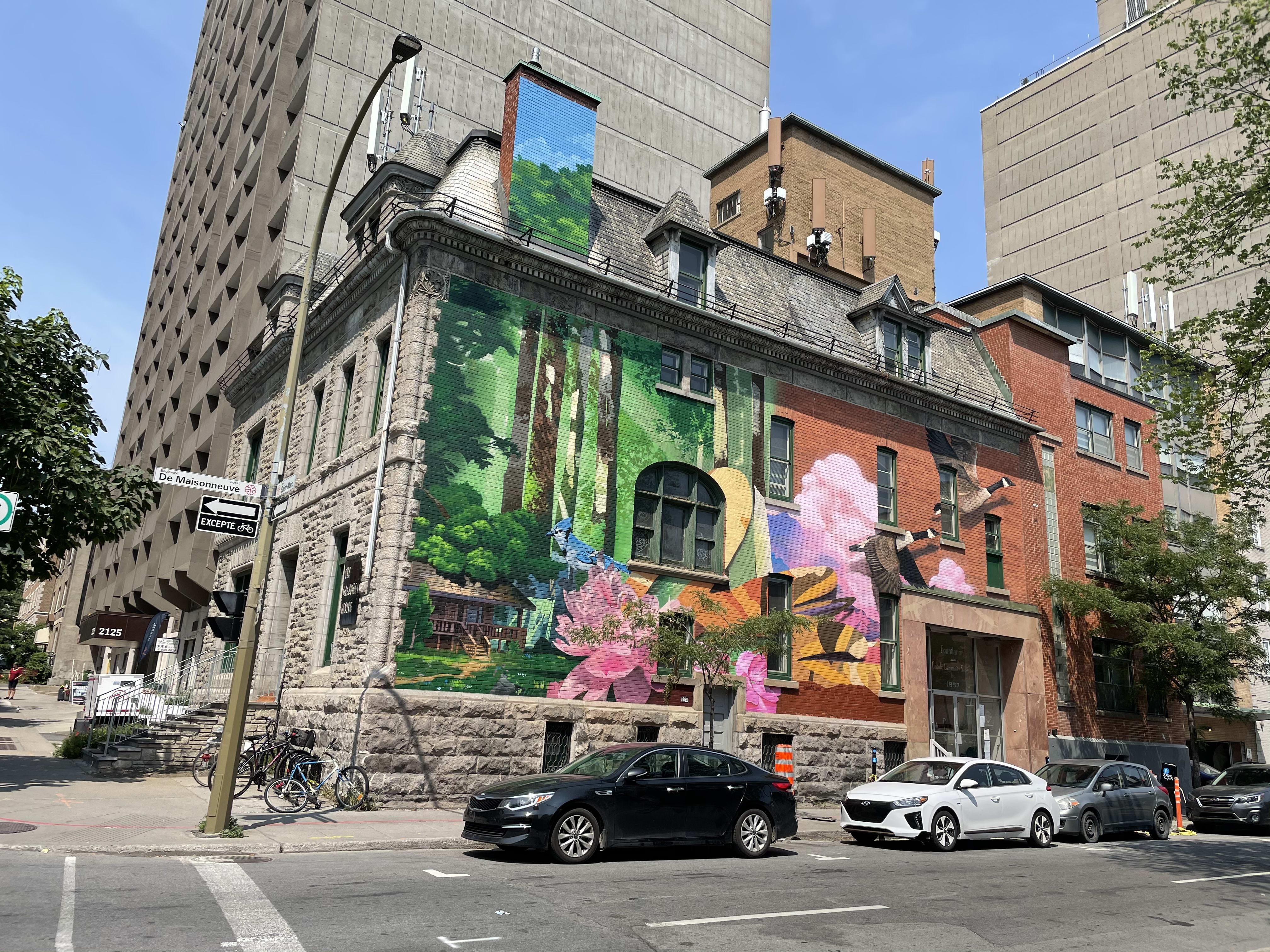 Murale L'envol sur la rue De Maisonneuve Ouest
