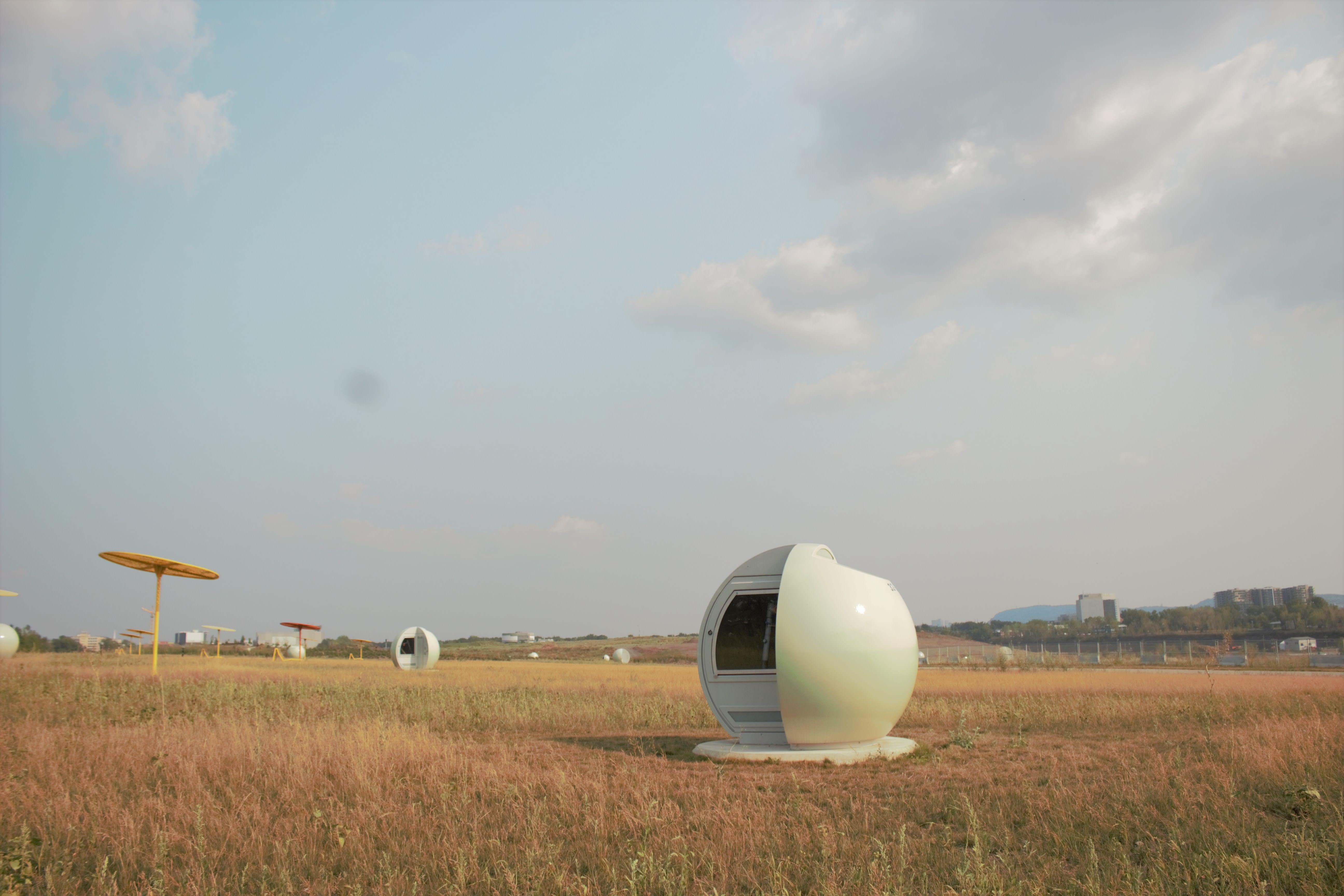 Sphère blanche du parc Frédéric-Back