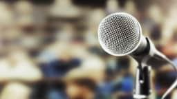 Photo d'un micro généralement utilisé lors des séances de Commission permanente pour inviter les citoyens à s'exprimer.
