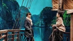 Photographie de deux femmes abord d'un bateau au Vietnam