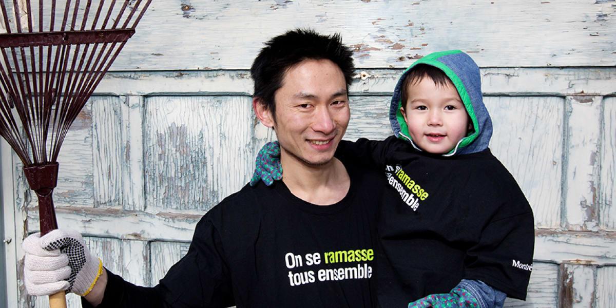 Un participant avec son enfant