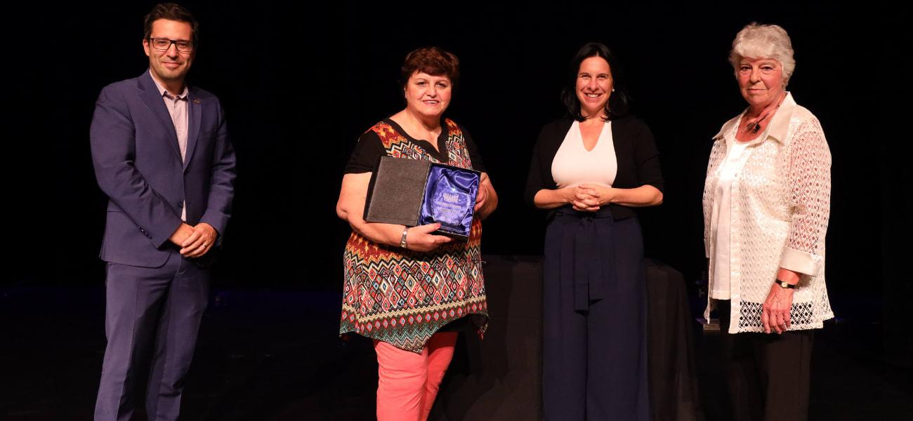 LE Prix Rosario-Demers 2021 décerné à Cécile Deschamps dans la catégorie adulte dans la catégorie Jeunesse