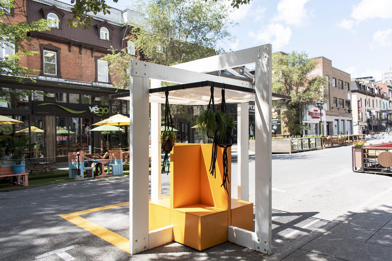Mobilier urbain de la rue Saint-Denis