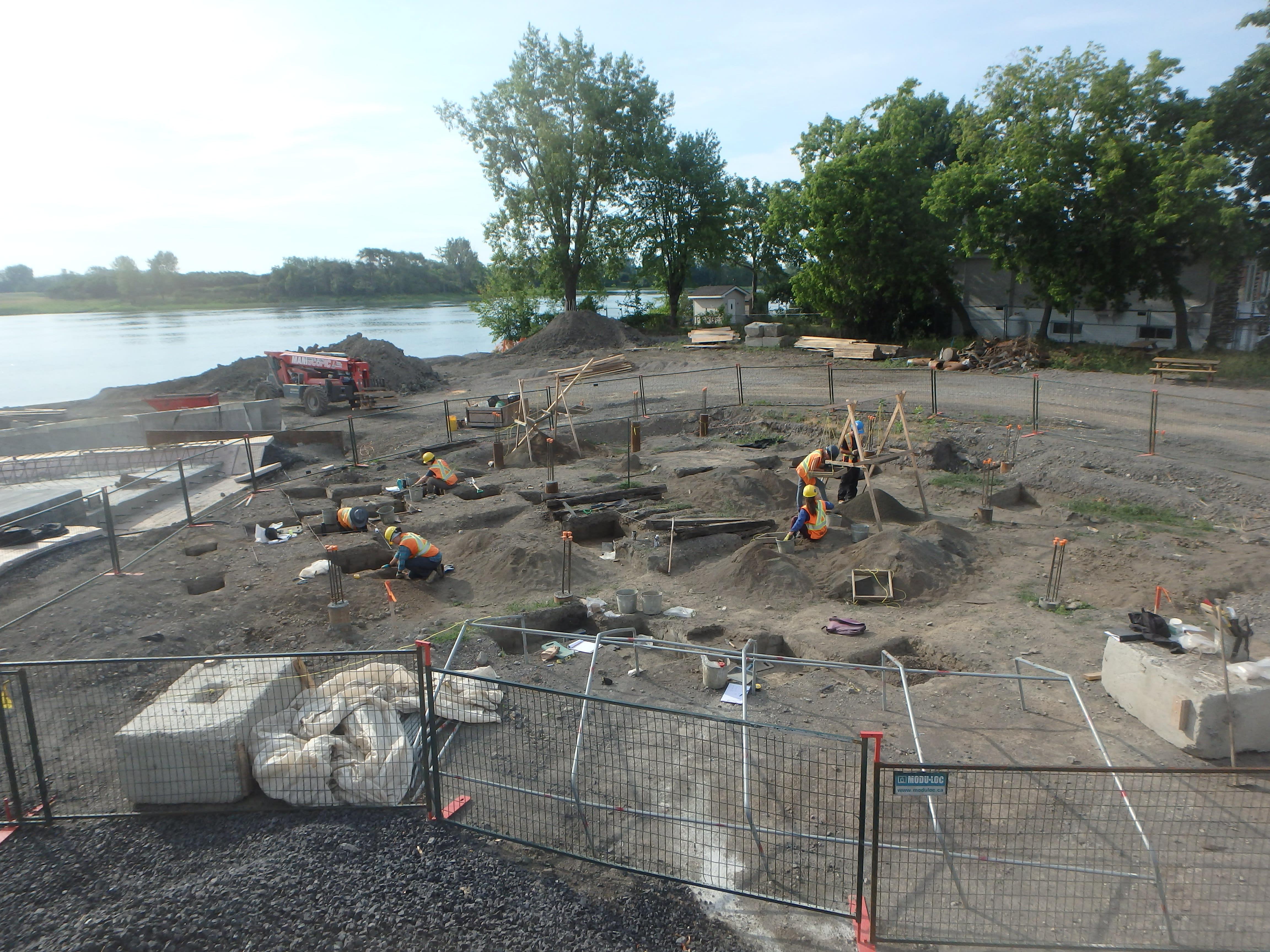 Recherches archéologiques à la plage de l'Est