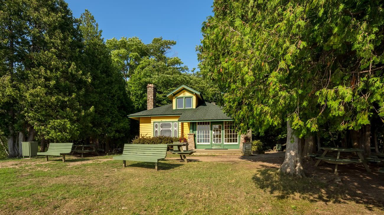 Maison de la Pointe à louer au parc-nature du Cap-Saint-Jacques.