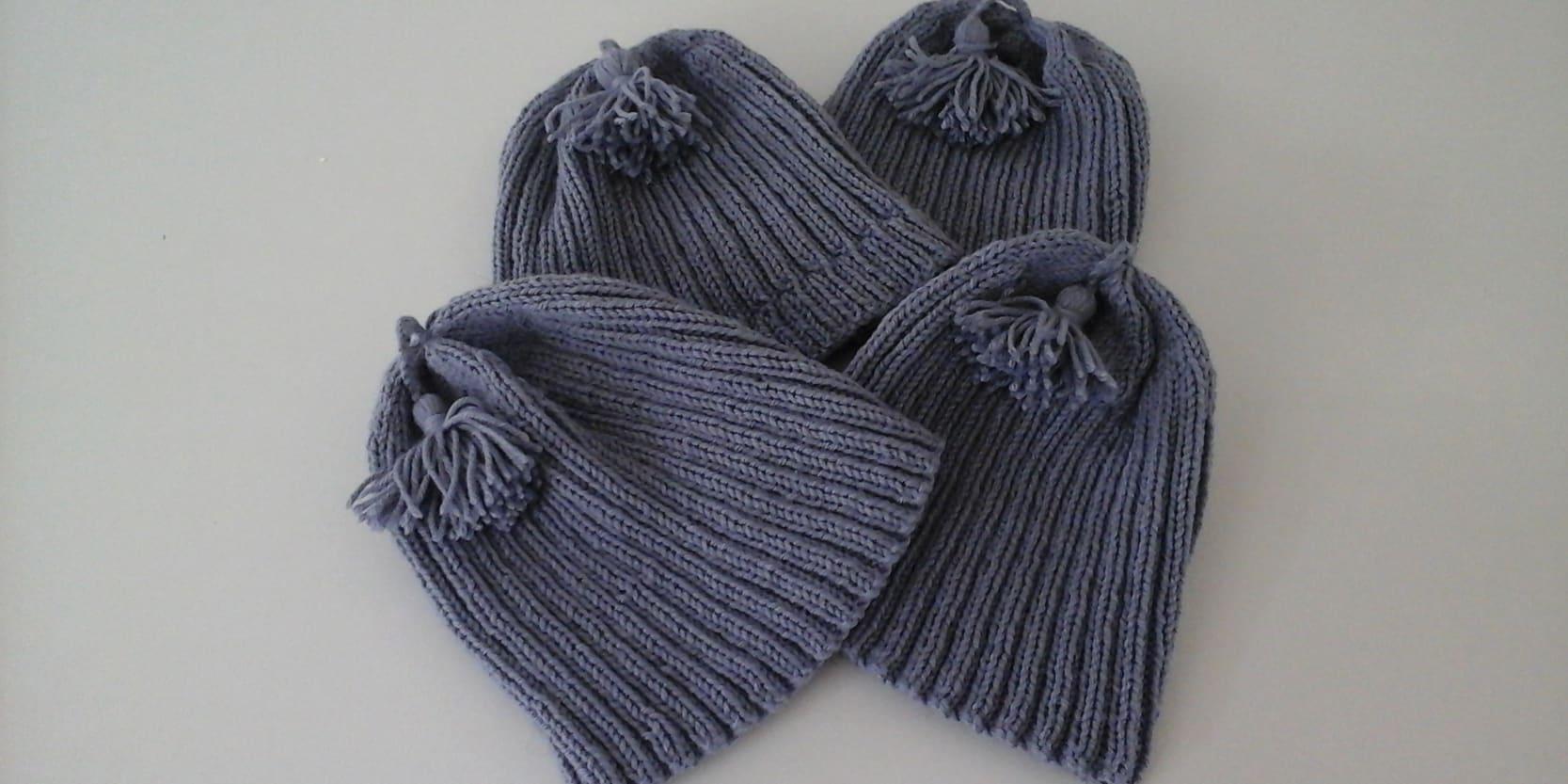 Tuques tricotées par une bibliothécaire