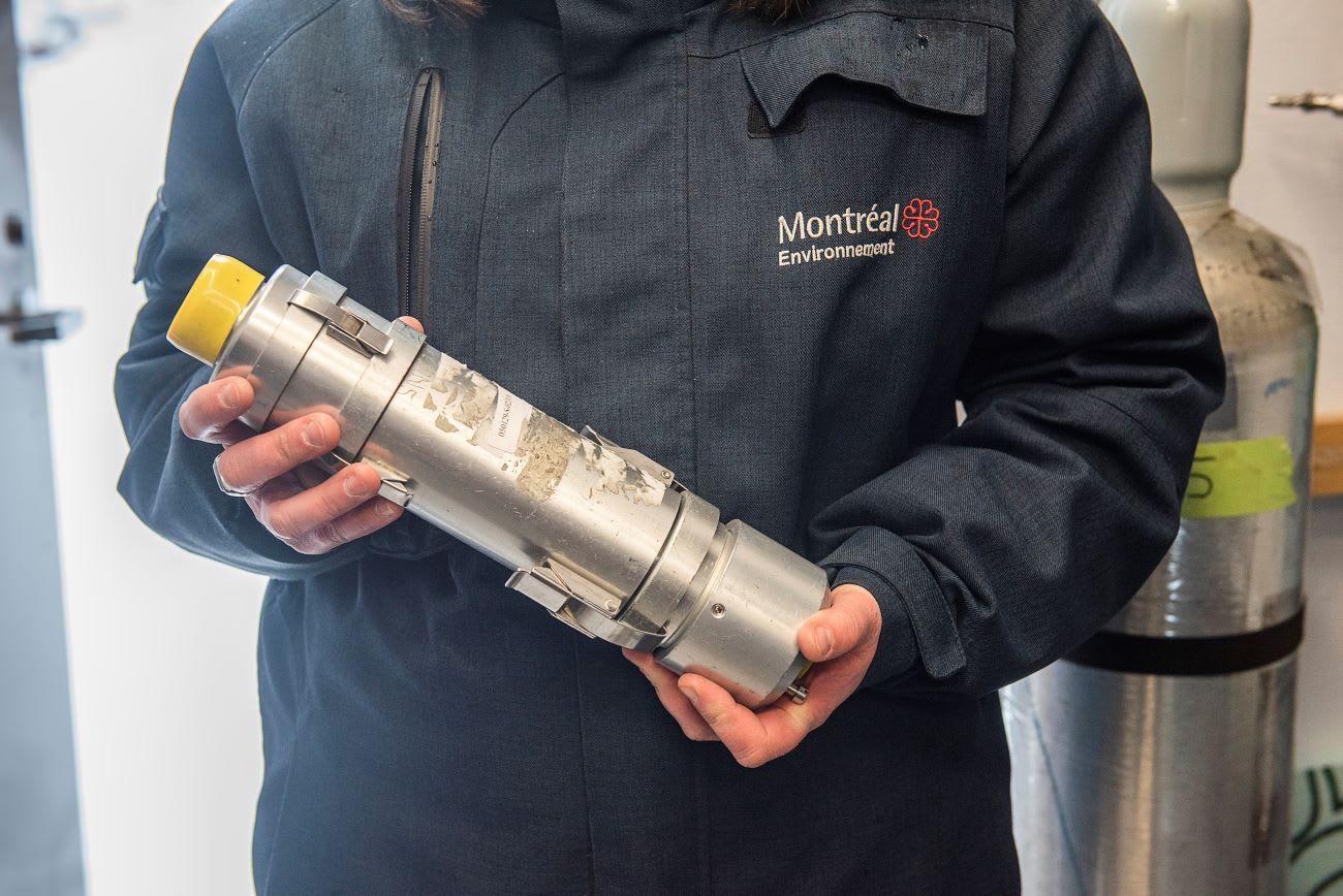 Un échantillon de filtre prélevé à la station de la qualité de l'air de Pointe-aux-Trembles