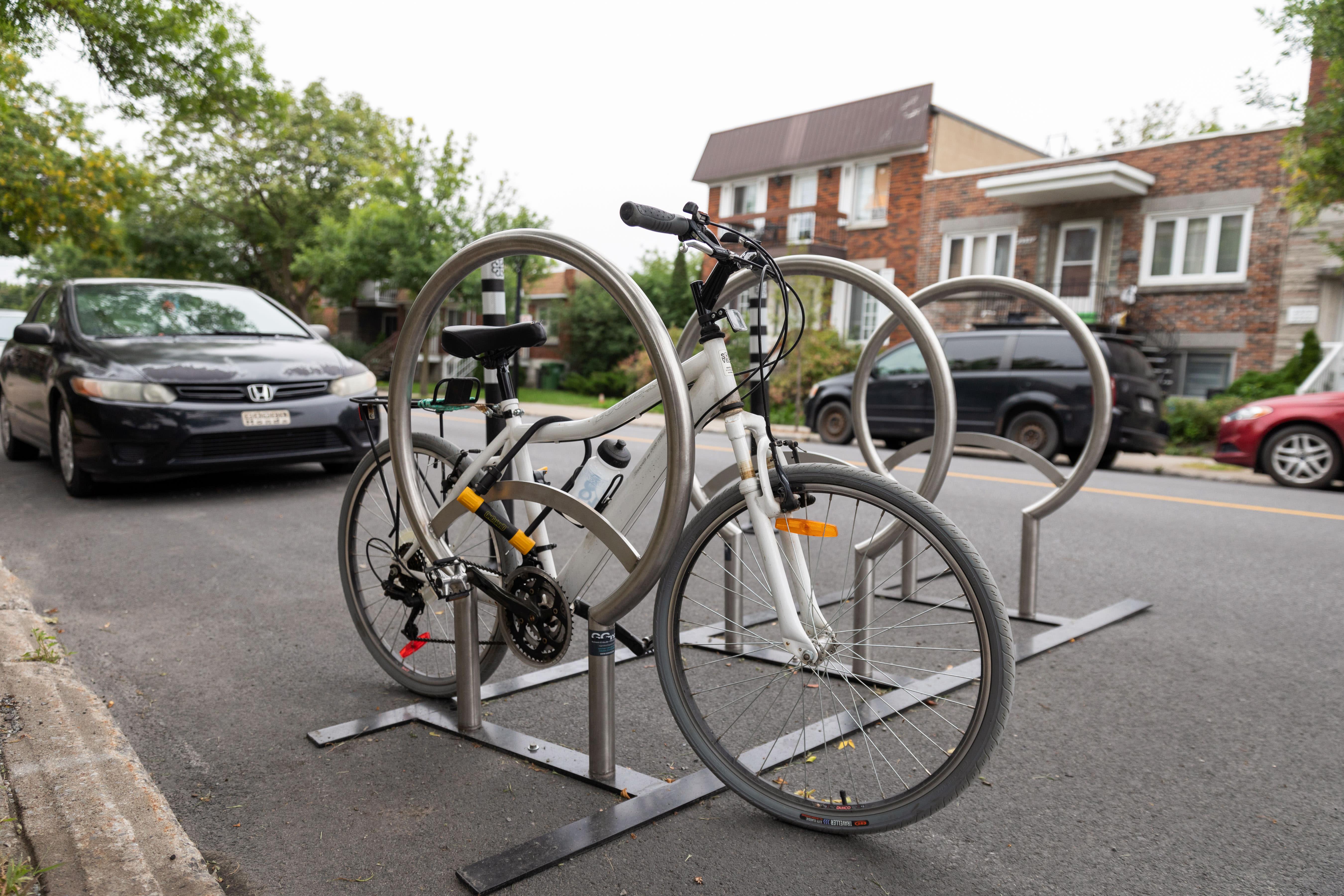 Un nouveau support à vélo de chaussée installé dans MHM