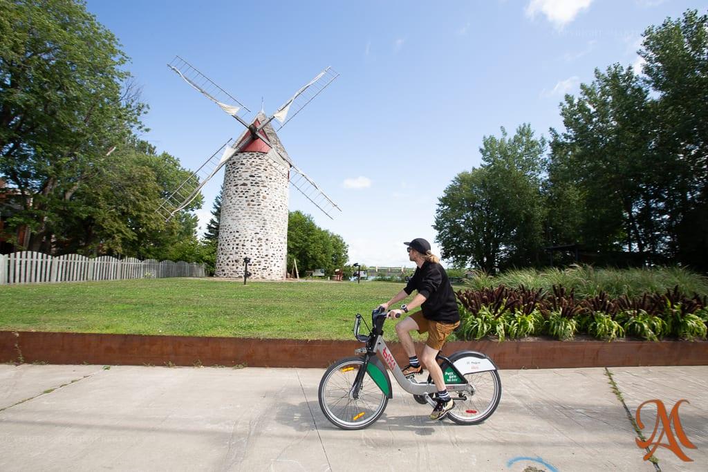 vélo BIXI et vieux-moulin
