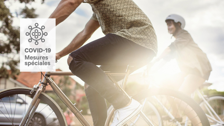 Cyclistes en mouvement
