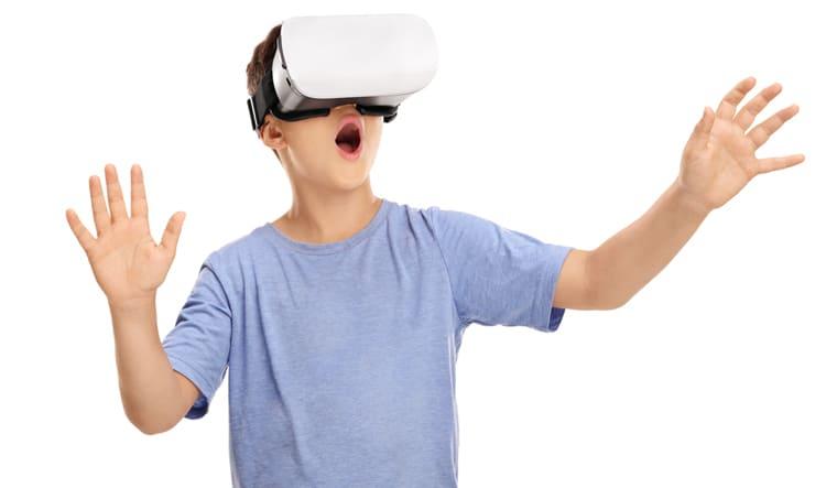 Atelier de réalité virtuelle à la bibliothèque de Pierrefonds.