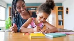 Série de huit ateliers sur le développement de l'enfant et l'accompagnement scolaire.