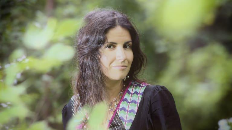 La poétesse Ouanessa Younsi réalisera la septième station du projet Île aux poètes.