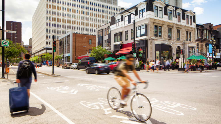 Citoyen à vélo - Plan de relance économique de Montréal