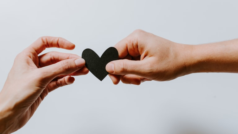 PMR_coeur mains