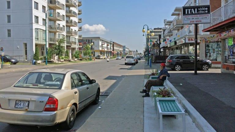 La rue Jean-Talon est dans l'arrondissement Saint-Léonard à Montréal.