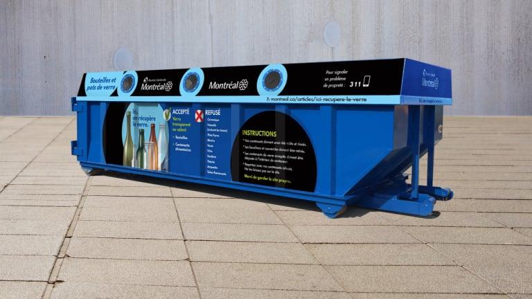 Ce conteneur bleu reçoit vos contenants et bouteilles en verre pour la récupération, à Ahuntsic-Cartierville, Montréal, depuis le 23 octobre 2020.