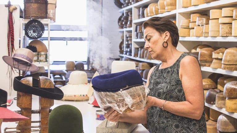 L'atelier Comme un chapeau de la modiste et chapelière Lucie Grégoire