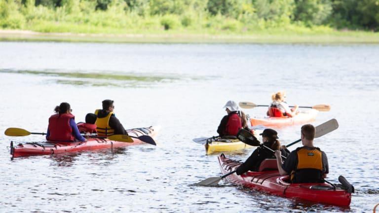 Kayak sur l'eau