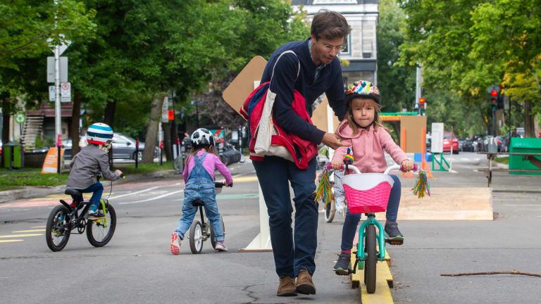 PMR_Jardin du petit monde à bicyclette_Toma Iczkovits