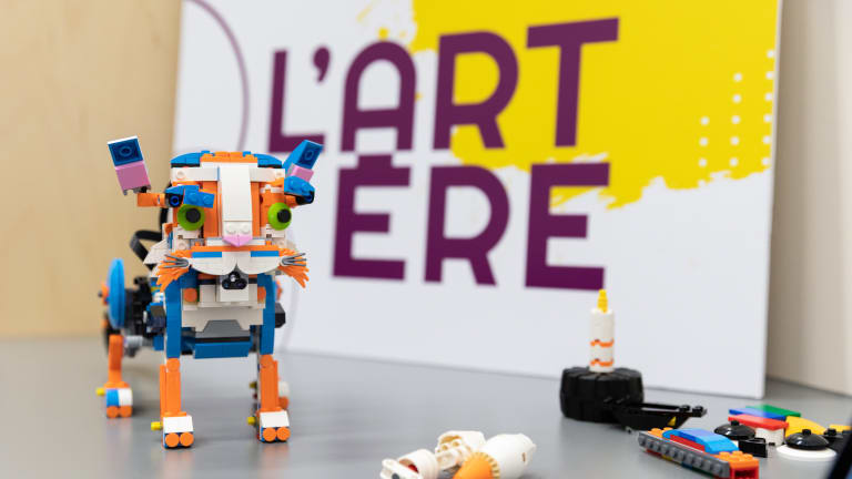 L'ARTERE_chat_robot