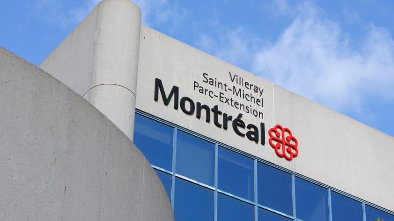 Vue sur la mairie de l'arrondissement de Villeray–Saint-Michel–Parc-Extension
