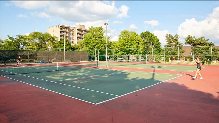 tennis Lucie-Bruneau