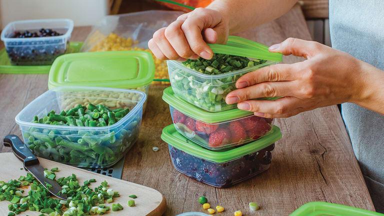 Photo d'aliments stockés dans des contenants hermétiques