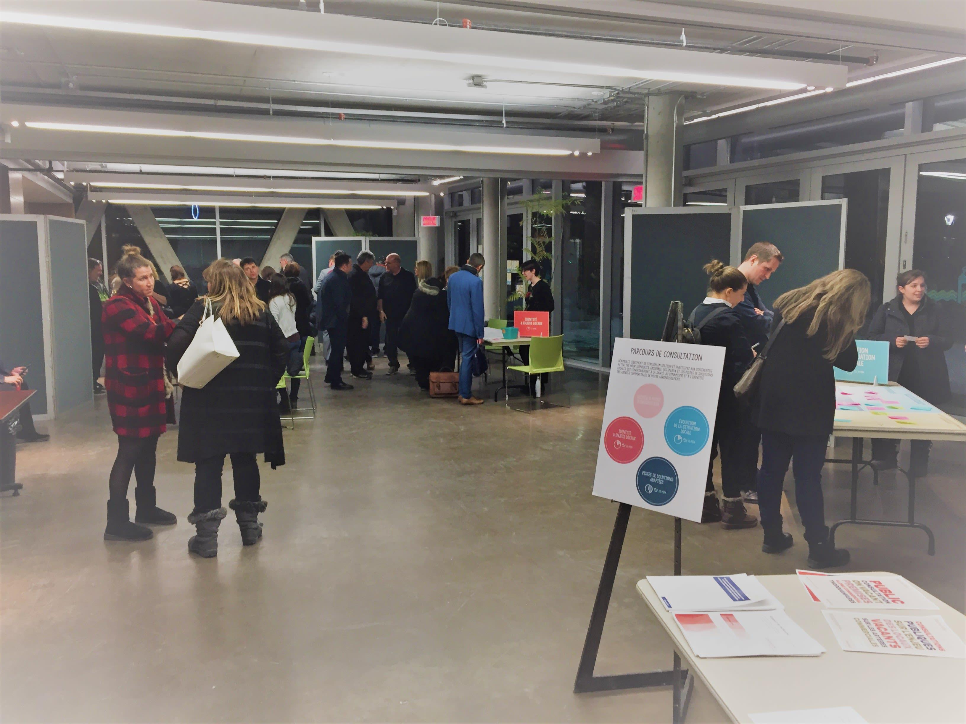 Une trentaine de personnes ont assisté à la consultation publique sur la problématique des locaux vacants sur les artères commerciales le 29 janvier dernier.