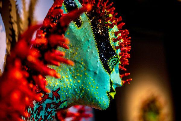 MHM - Photo d'une sculpture colorée de Dinorah Catzalco.
