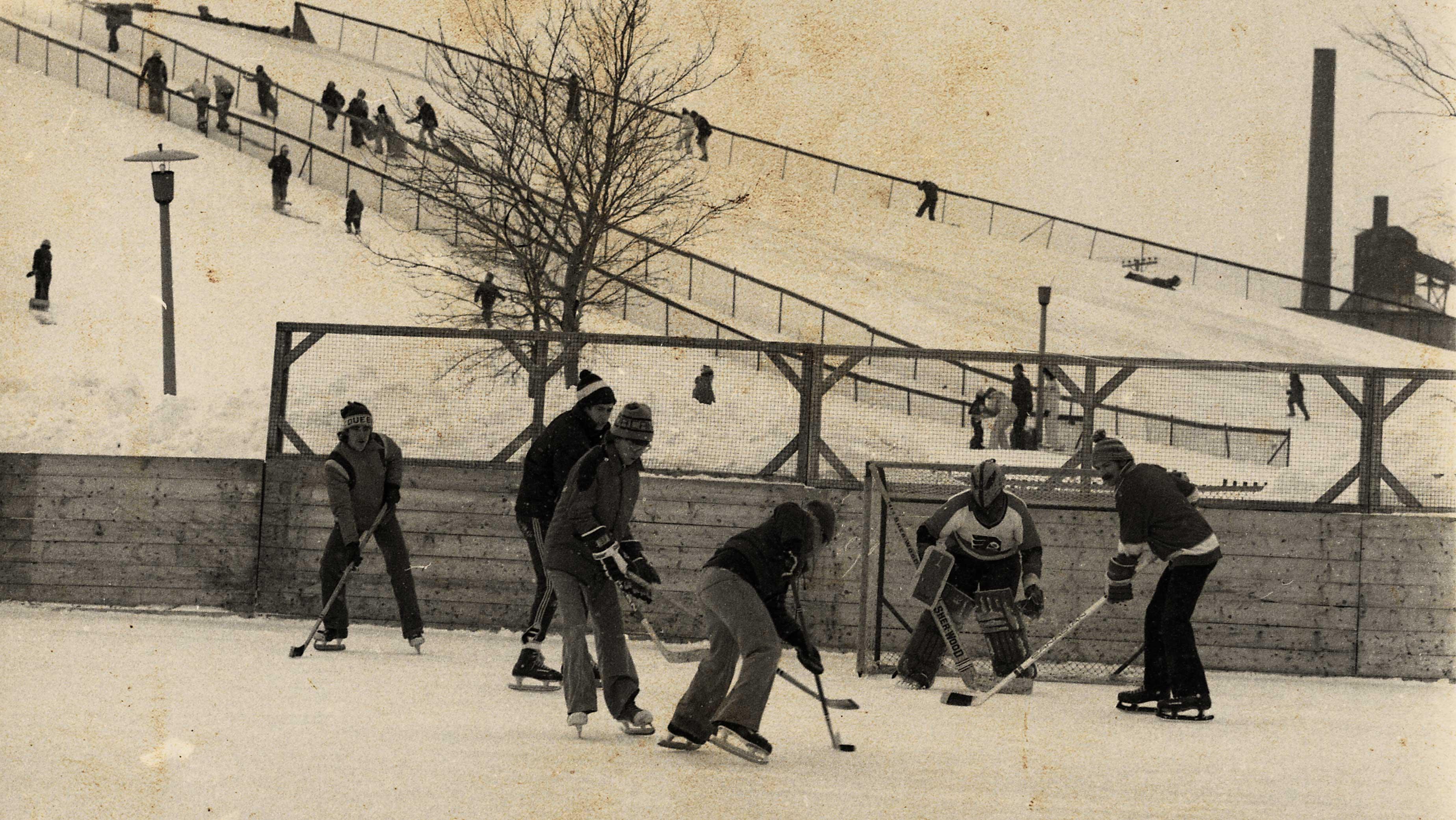 photo d'archives, partie de hockey à Ignace-Bourget