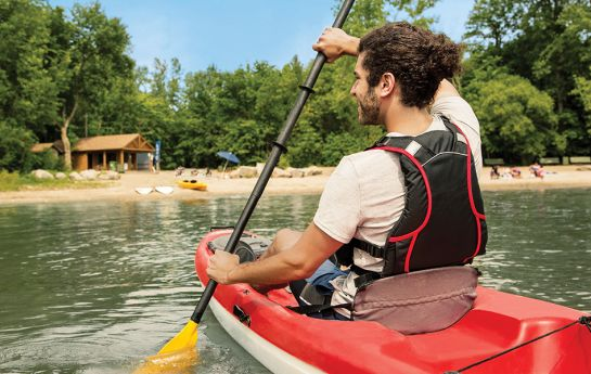 Homme en kayak