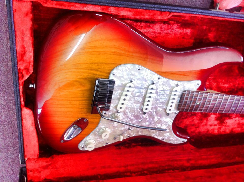 גיטרה וינטג' תל אביב, גיטרה וינטג', fender stratocaster 60' 1anniver
